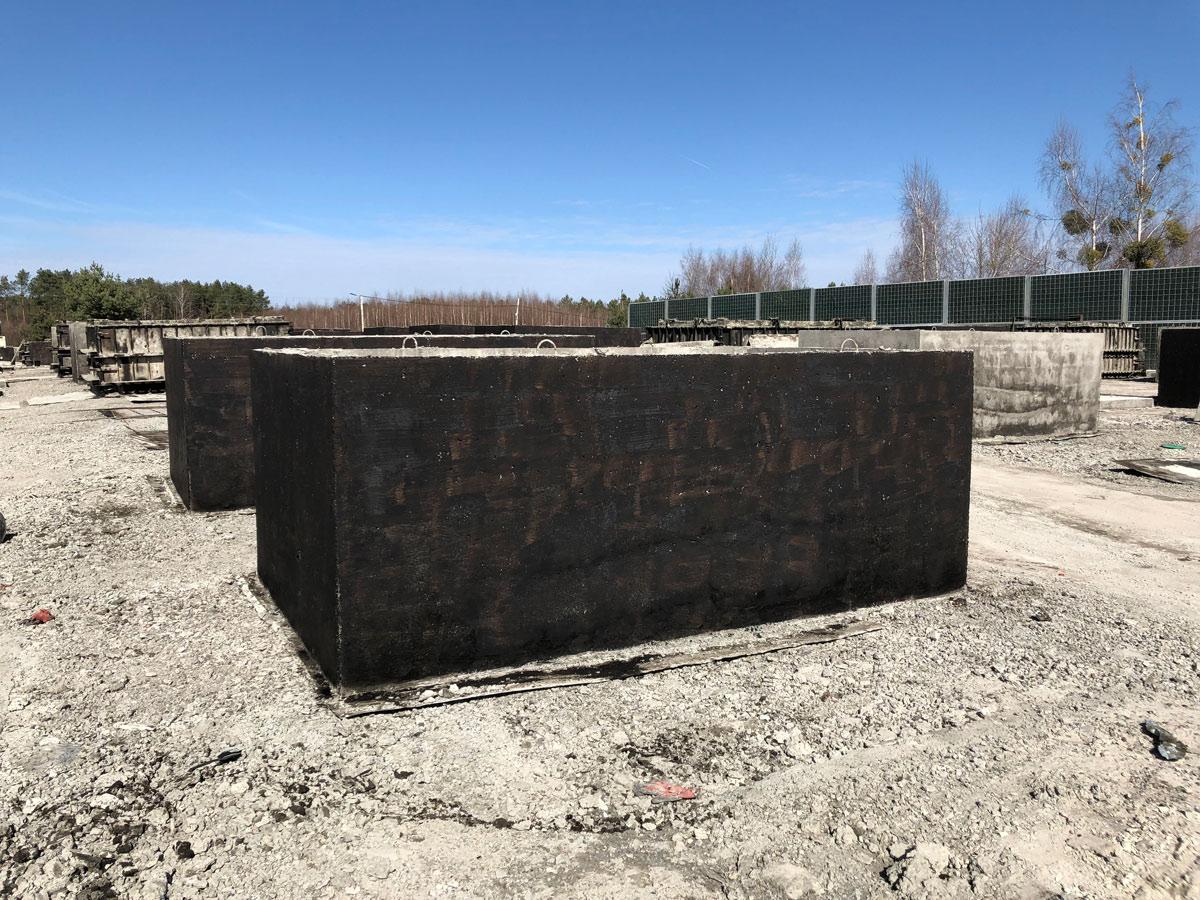 Betonová nádrž na zemi