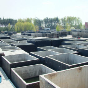Výroba a skladování betonových septiků